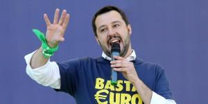 Lega: Salvini, meglio soli che male accompagnati