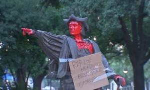 Statua di Cristoforo Colombo imbrattata dai BLM