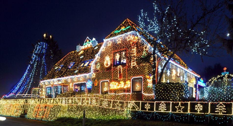 Luci natalizie da esterno consigli per addobbare la casa