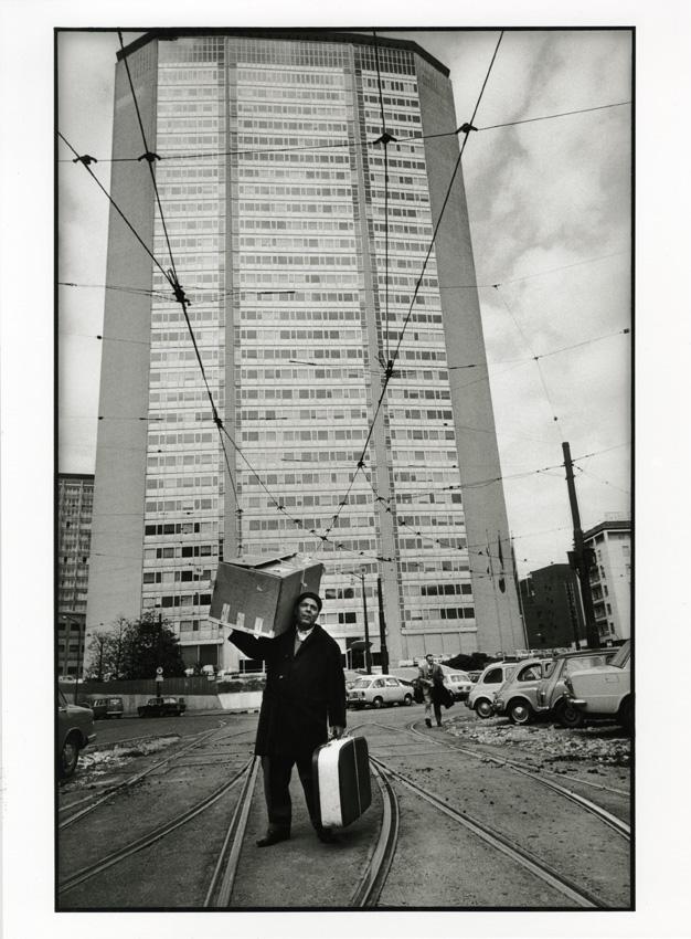 Uliano Lucas, piazza Duca D'Aosta, Milano, 1968