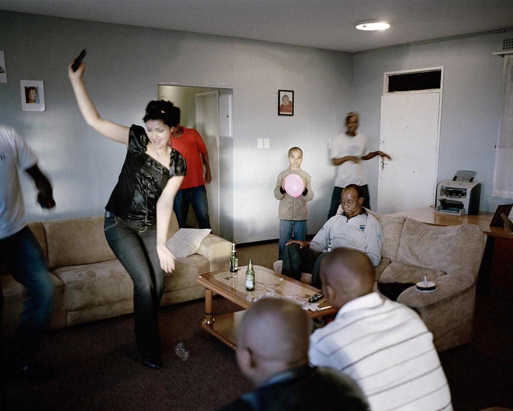 06_Press-Image-l-DBPP15-l-Mikhael-Subotzky-_-Patrick-Waterhouse-l-Untitled-4_-Ponte-City_-Johannesburg_-2008