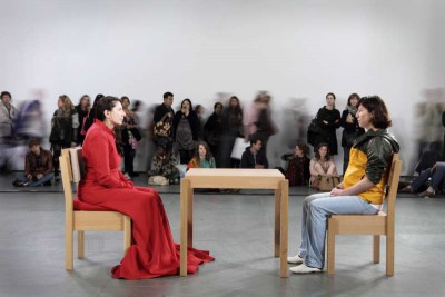 marina-abramoviic-the-artist-is-present-757304