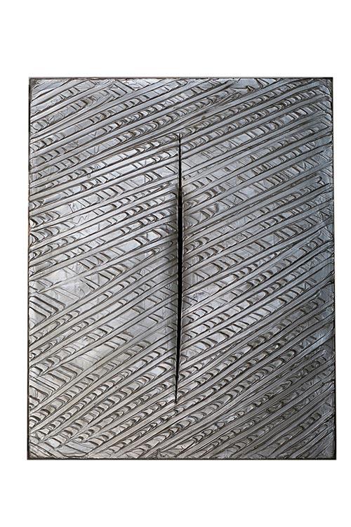 Lucio-Fontana-1899-1968-Concetto-spaziale-1961-100x80-cm-olio-e-taglio-su-tela