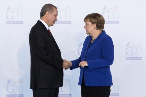 16est1f01-merkel-erdogan-reutersl-35