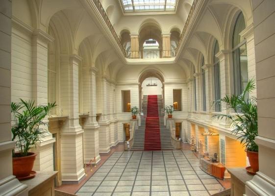 thumb_Abgeordnetenhaus_Foyer-1024x730