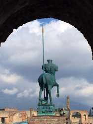 A Pompei l'ultimo sogno del grande Mitoraj