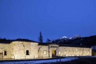 7_Facciata-del-Forte-illuminata-a-notte_Foto-Giacomo-De-Donà-1024x681