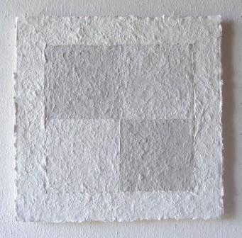 02 - Helmut Dirnaichner, Cristallo di rocca Ossidiana 2016, cm 37,5x37,5cm (cc 52x52), cellulosa su legno
