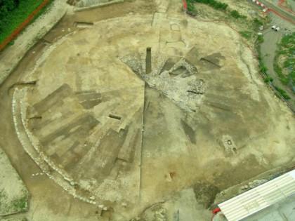 veduta-generale-del-cantiere-di-scavo-in-occasione-della-costruzione-del-nuovo-ospedale-sant_anna-di-como-2007_c2a9-mibact