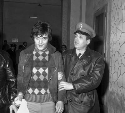 QUESTURA DI MILANO, ARRESTATI DOPO UNA RAPINA A SUPERMERCATO COMPONENTI DELLA BANDA VALLANZASCA, VALLANZASCA RENATO ANNO 1972