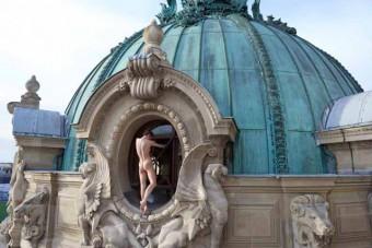 1_Sonia-Sieff_Sur-les-toits-de-lOpera_Paris-2014_copyright-Sonia-Sieff_courtesy-IMMAGIS-640x427