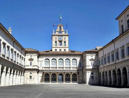 roma_-_palazzo_quirinale_cortile_interno