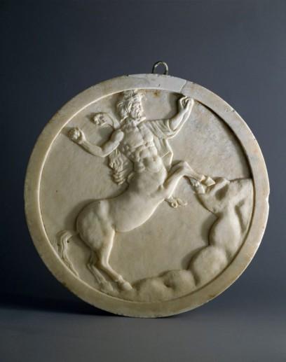 Oscillum-decorato-su-entrambe-le-facce-Pompei-Casa-degli-Amorini-dorati-marmo-cm415x45-Pompei-Parco-Archeologico-808x1024
