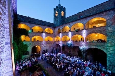 1 un concerto TMF al Castello dei Cavalieri di Malta a Magione