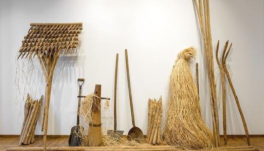 Pino-Pascali-Gruppo-di-Attrezzi-agricoli-1968-Galleria-Nazionale-Roma_523x300