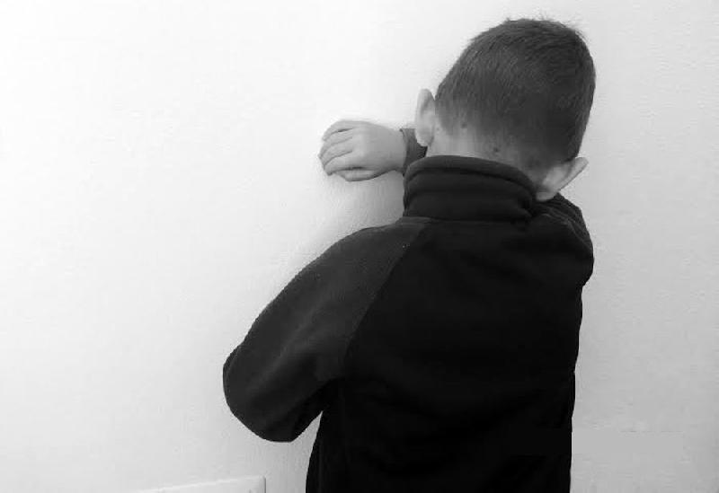 bambino-violenza-5478