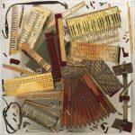 Arman-Sans-titre-1971-ca-fisarmonica-frammentata-nel-plexiglas-cm-120x120x20.-150x150