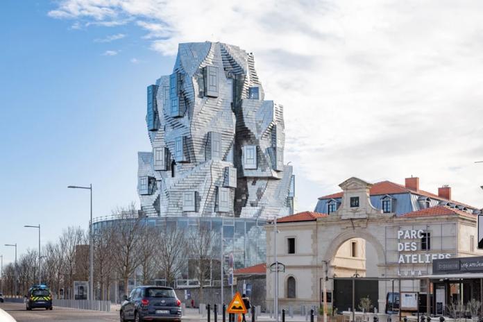 Frank-Gehry-luma-tower-696x464
