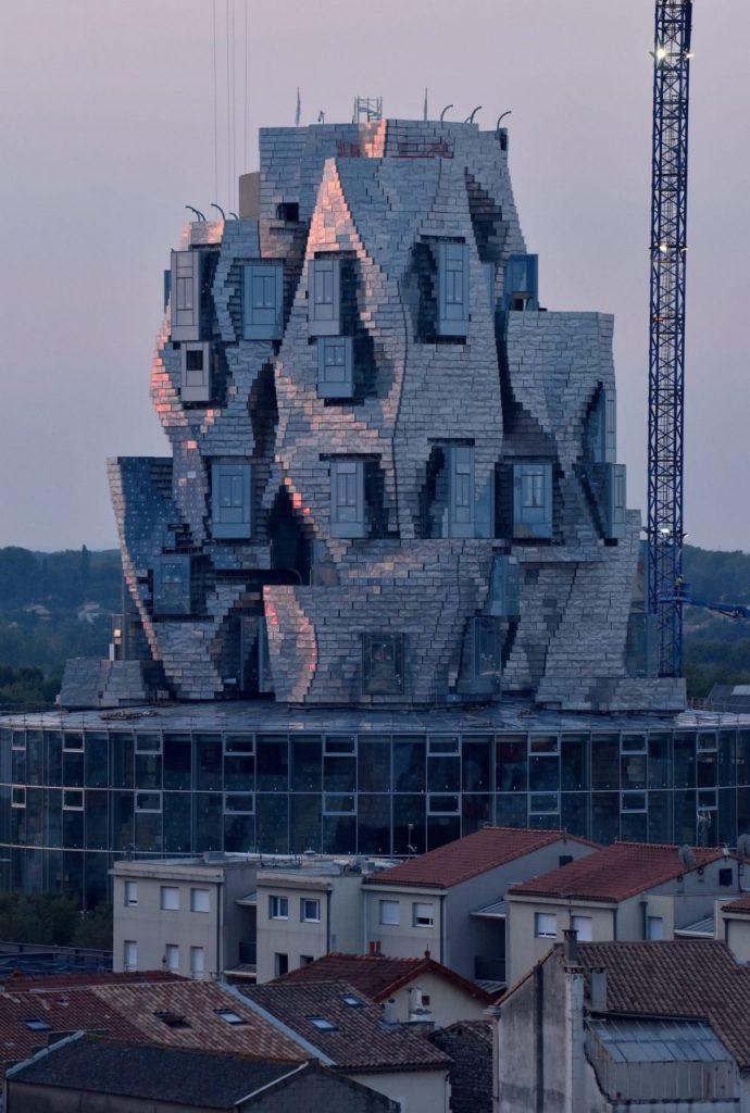 luma-arles-tower-frank-gehry-arles3-min-690x1024