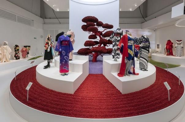 Kimono-Kyoto-to-Catwalk-Installation-shot-of-Kimono-Kyoto-to-Catwalk-12-37-1582905864
