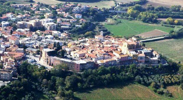 5365501_1233_montalto_centro_storico_panorama