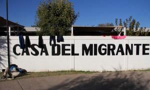 Migranti, continua la marcia per superare il confine tra Messico e Stati Uniti