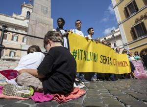 15desk1f01-ius-soli-protesta-montecitorio-lapresse-27