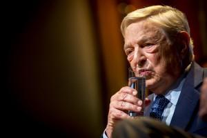 George Soros incontra i giornalisti a Bruxelles