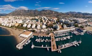 Vista del porto turistico di Malaga, città da 365 giorni all'anni di sol,