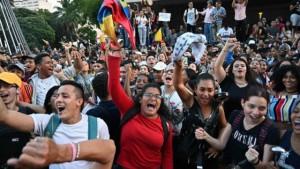 Dimostranti a Bogotà contro le politiche economiche del presidente Ivan Duque