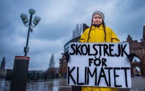 Greta Thunberg, 16 anni, attivista svedese per il ambio climatico, ha inventato gli scioperi del venerdì per l'ecologia.