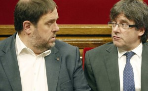 Oriol Junqueras (sx), ex vice presidente della Catalogna, presidente di Era ed eurodeputato  assieme a Carles Juqnueras, ex presidente catalano, eurodeputato eletto, fuggito a Bruxelles dal 2017.