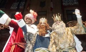 """La """"Cabalgada de los Reyes"""" a Madrid, il giorno 6 gennaio che chiude tutte le feste natalizie spagnole. È considerata quasi più importante del Natale in sé."""