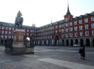 Plaza Real nei suoi secoli di vita, non à mai stat cos vuota e spoglia.