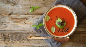 Il Gazpacho, una zappetta fredda a base di pomodoro, peperone e cetriolo, una ricetta antica dell'Andalusia.