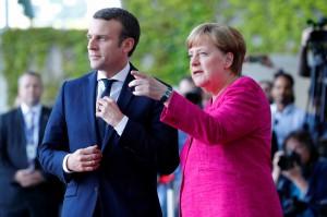 Berlino, Angela Merkel riceve il neopresidente francese Emmanuel Macron