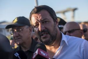 Genova, crollo Ponte Morandi: Matteo Salvini sul luogo del disastro