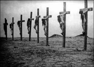 Deir-el-Zoor-crocifissione-di-donne-cristiane-armene