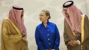 Hillary-Clinton-Clinton-Foundation-Saudi-Arabia-060215-G-777x437