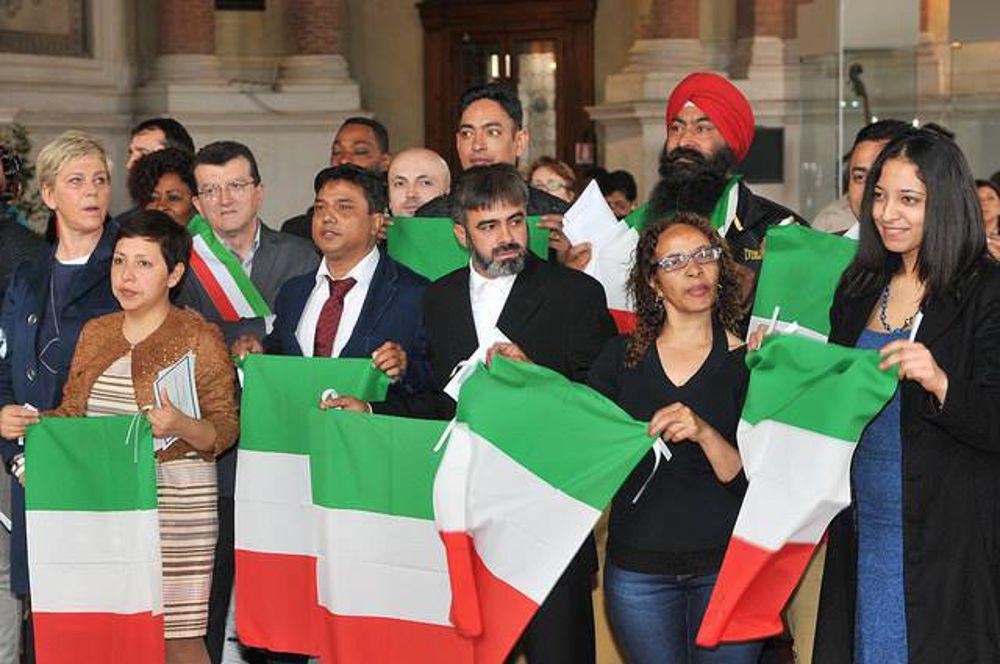 Nuovi italiani 400 mila in due anni lo ius soli non for Numero dei parlamentari italiani