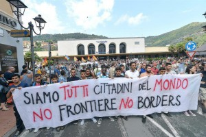 20160815130848-no-borders-ventimiglia