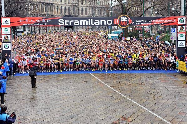Stramilano  50 mila di corsa e gli altri tutti a piedi – il blog di ... 42c6c6010db9