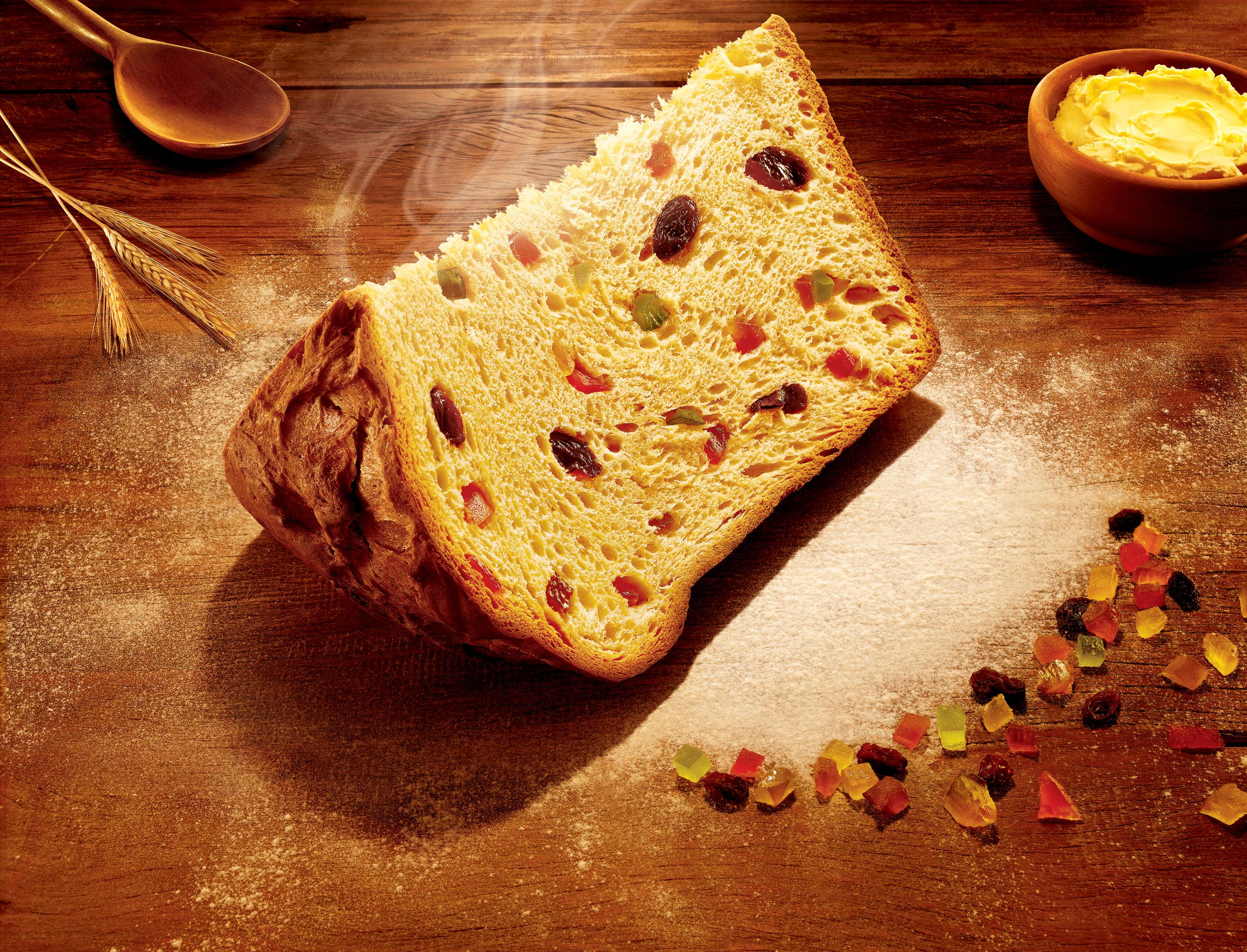 panettone_slice.jpg