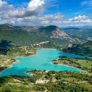 Lago-di-castel-San-Vincenzo-750x496-1