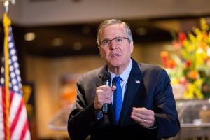 lapresse - materi - Jeb Bush parla ai suoi sostenitori
