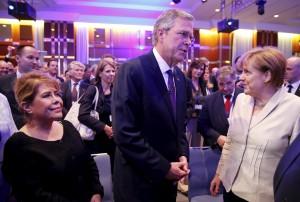 Al via tour europeoo di Jeb Bush: a Berlino vede Merkel