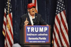 Trump, 'internet va chiuso, alimenta estremismo'