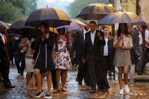 Cuba, la famiglia Obama visita l'Avana vecchia