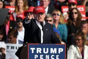 TRUMP PRESIDENTIAL CAMPAIGNING, ORLANDO, FLORIDA, USA, 2016-11-02