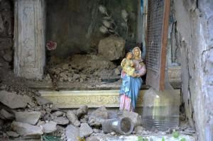 Madonna del terremoto col Bambino Gesù